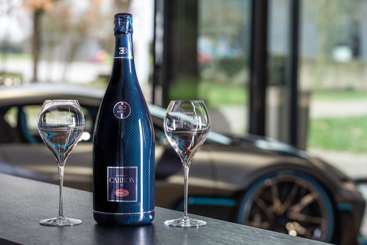 [Translate to Français:] 'ƎB.01' Champagne for Bugatti