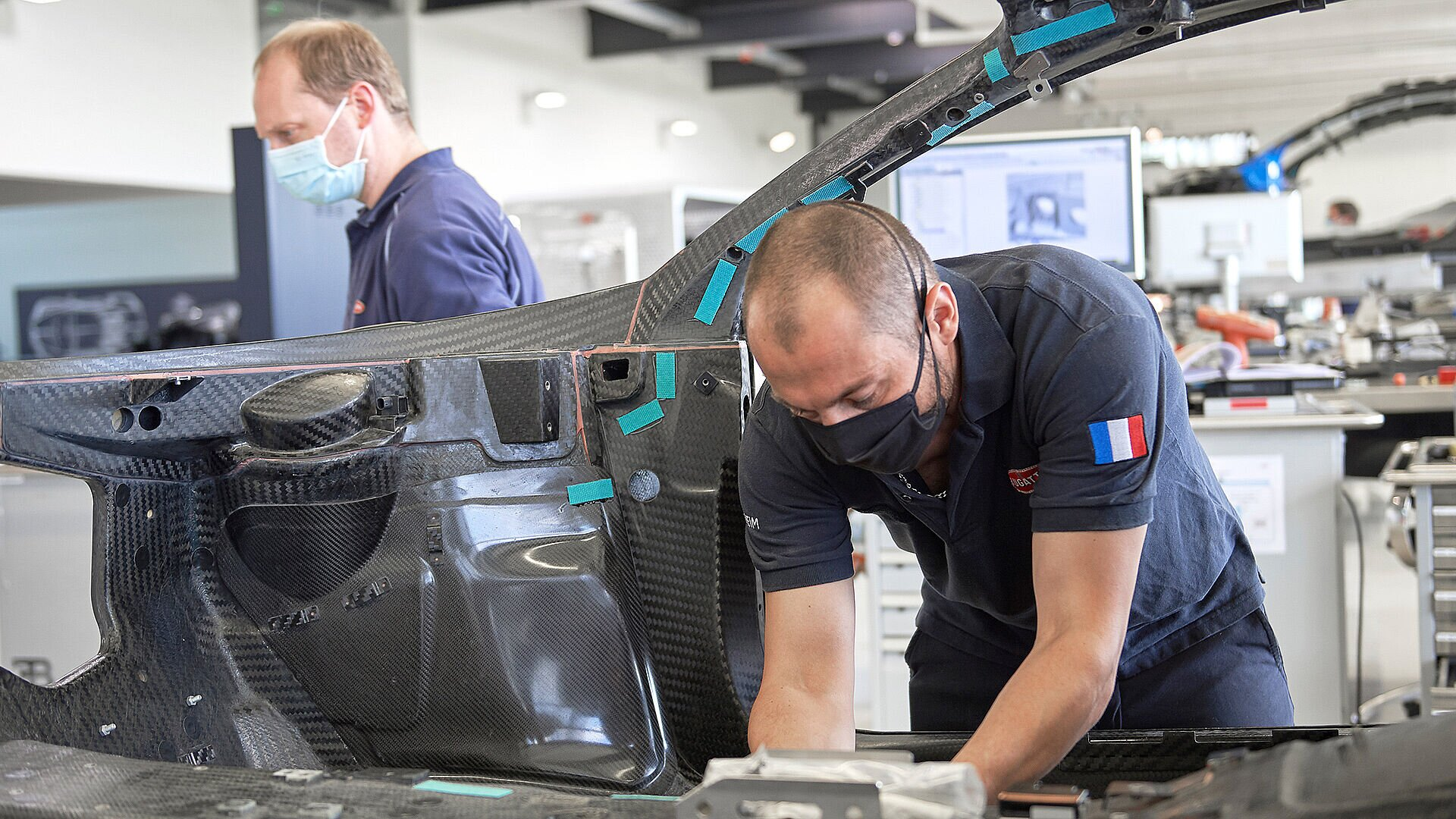 Covid-19 pandemic: Bugatti restarts production in the workshop - Image 3