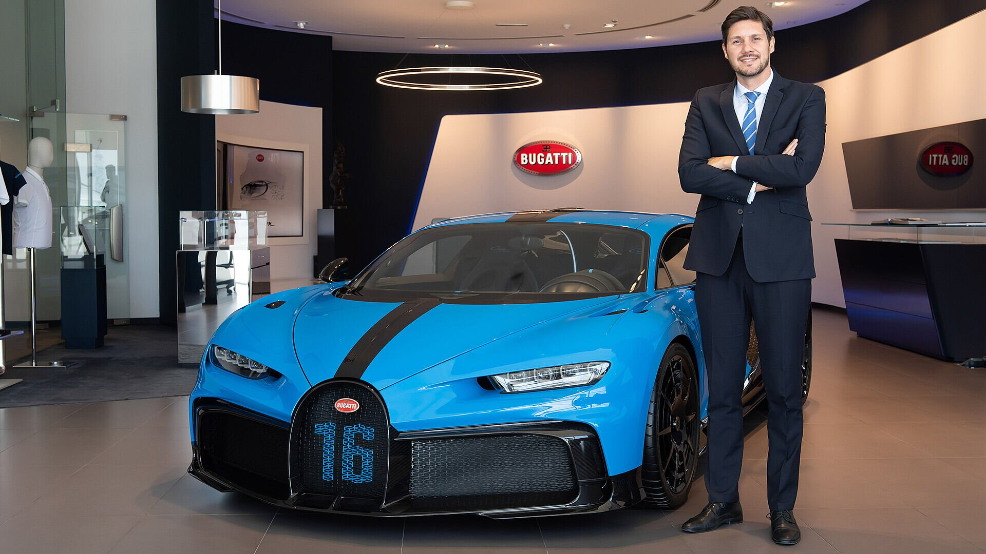 [Translate to Français:] Kostas Psarris, regional Bugatti representative for MEA