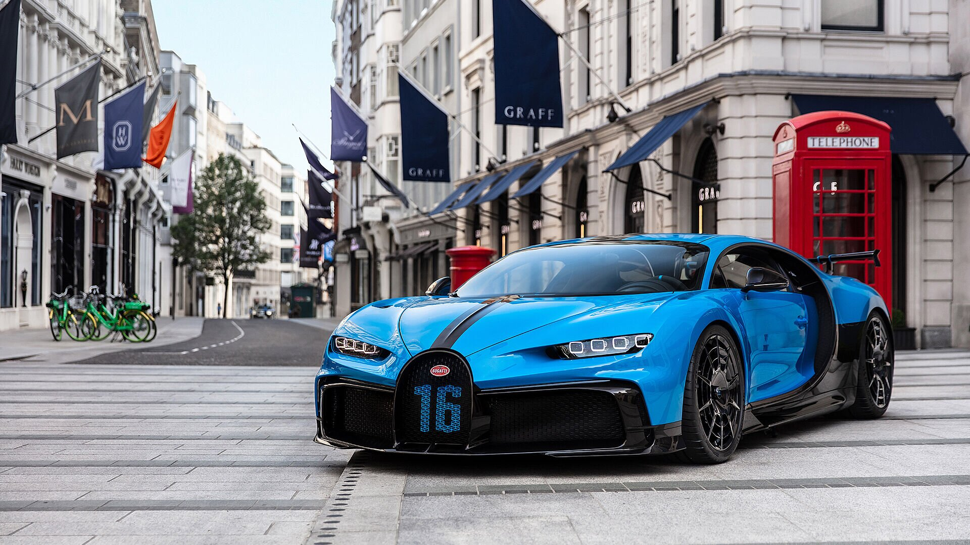 Bugatti Chiron Pur Sport continues its tour through Europe - Image 1