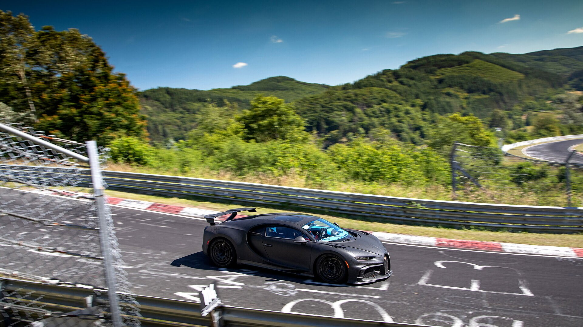Chiron Pur Sport – final handling tests on the Nordschleife - Image 4