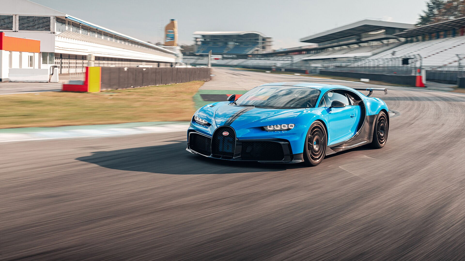 Bugatti Chiron Pur Sport – test drives at the Hockenheimring